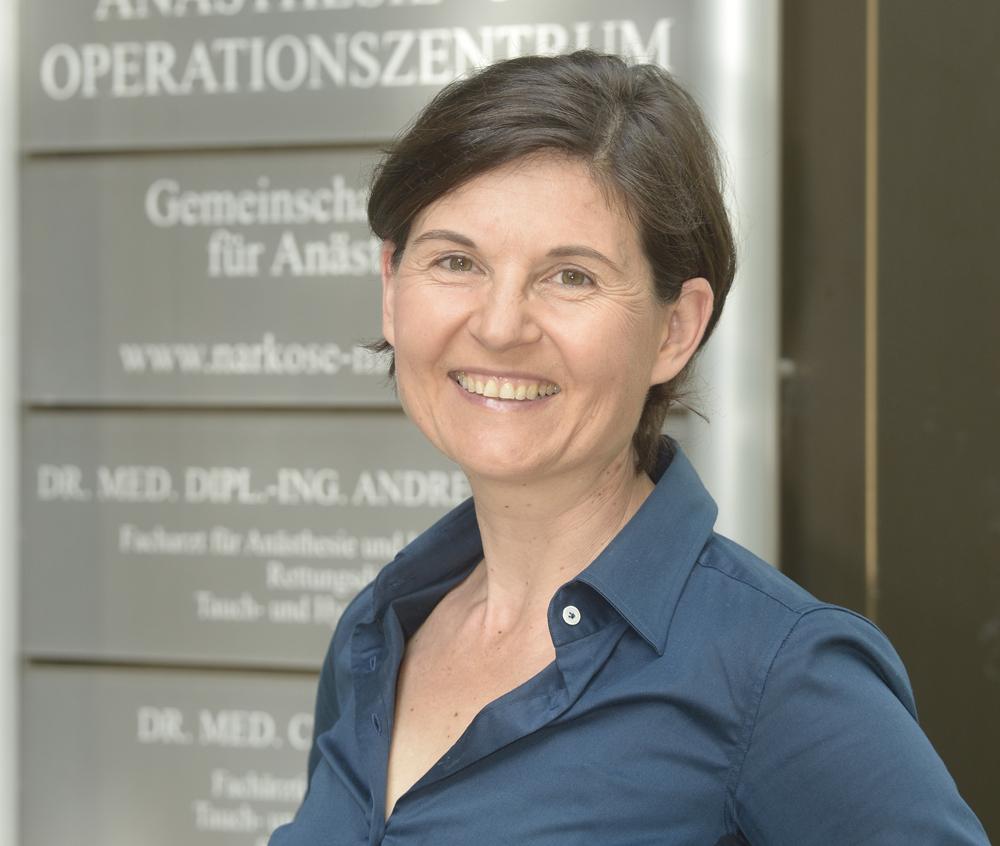 Dr. med. Claudia Esser