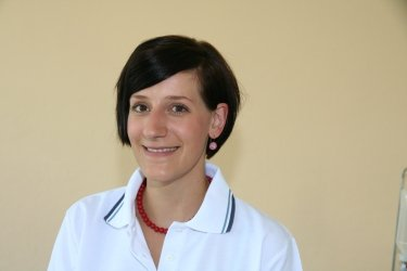 Christine Zollner, Zahnarzthelferin